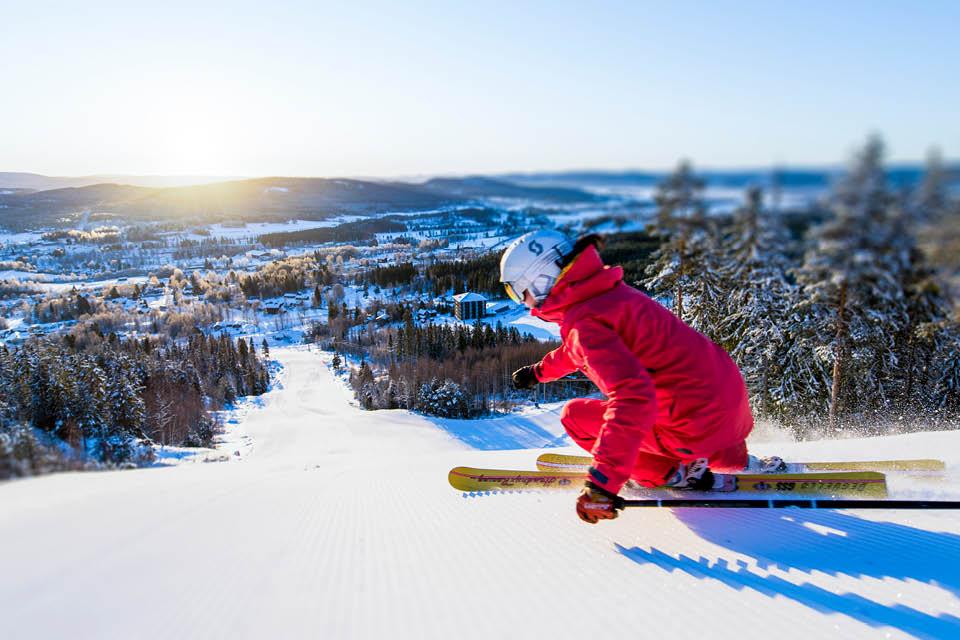 Järvsöbacken, perfekt skidåkning för hela familjen i Järvsö