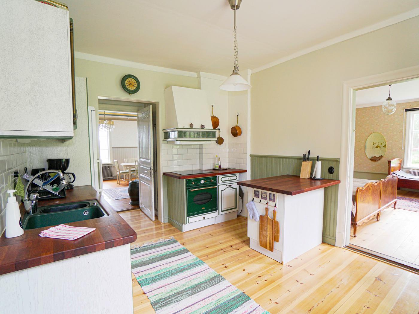 Lôkes Hälsingegård, boning 2, Familjen Lindströms boning, det gröna köket